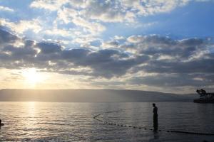 PLACED8 Joshua Gladstein Sunrise over Kineret